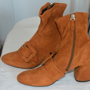 Uterque ankle boots - Brand New !